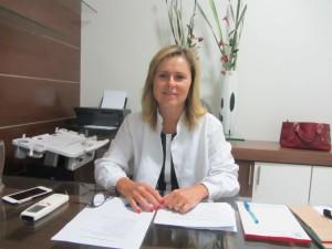 Dra. Cláudia Barros